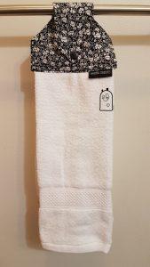 Hanging towel, black & white